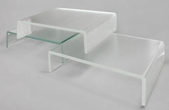 Różnica pomiędzy szkłem standardowym (lekko zielonym) a szkłem odbarwianym low iron (bezbarwne).